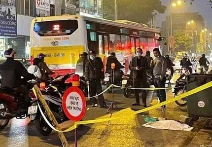 Nghi vấn thai nhi bỏ cạnh thùng rác, bị ô tô cán ở Hà Nội: Công an nói gì?