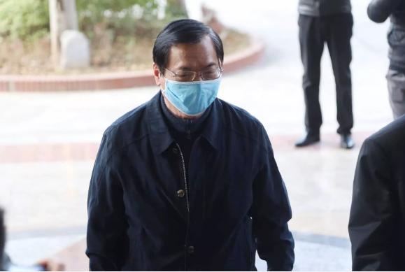 Lý do luật sư đề nghị triệu tập người có lời khai dùng buộc tội ông Vũ Huy Hoàng?