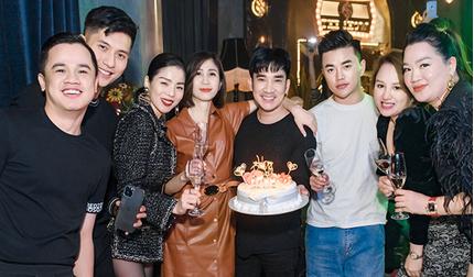 Lệ Quyên và 'tình trẻ tin đồn' dính như sam trong tiệc sinh nhật Quang Hà