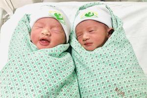 Mắc tiền sản giật nặng kèm tiểu đường thai kỳ, bà mẹ Hà Nội vỡ òa đón cặp song sinh khỏe mạnh chào đời