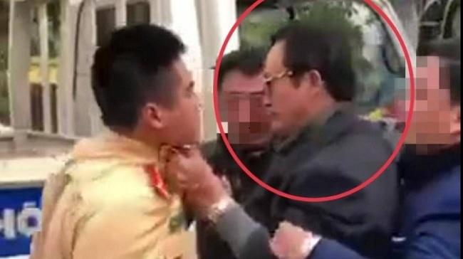 Chi cục trưởng Dân số Tuyên Quang túm cổ áo CSGT: Có dấu hiệu chống người thi hành công vụ