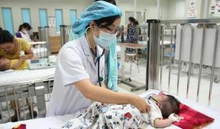 Ngã từ trên giường xuống đất, bé 1 tuổi chấn thương nghiêm trọng