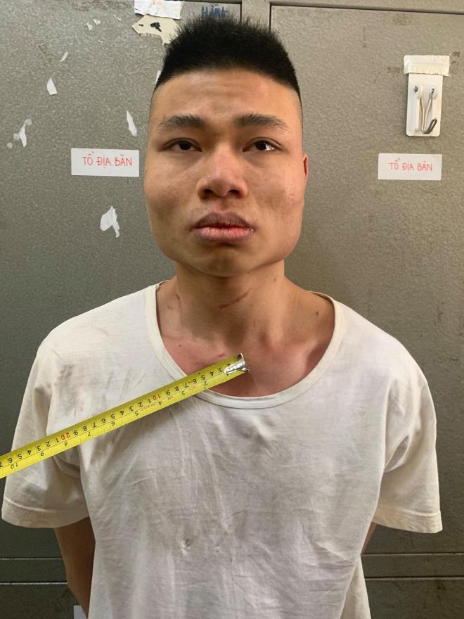 Lừa nữ sinh đi phát tờ rơi, gã trai đưa vào thang bộ các chung cư để hiếp dâm