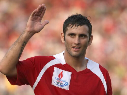 Leandro nhớ V.League khi thấy Lee Nguyễn chơi bóng