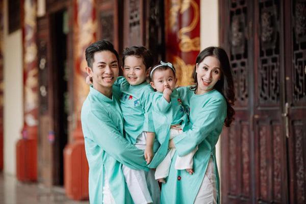 Khánh Thi - Phan Hiển đưa 2 con đi 'phượt' xuyên Việt để đón Tết Tân Sửu