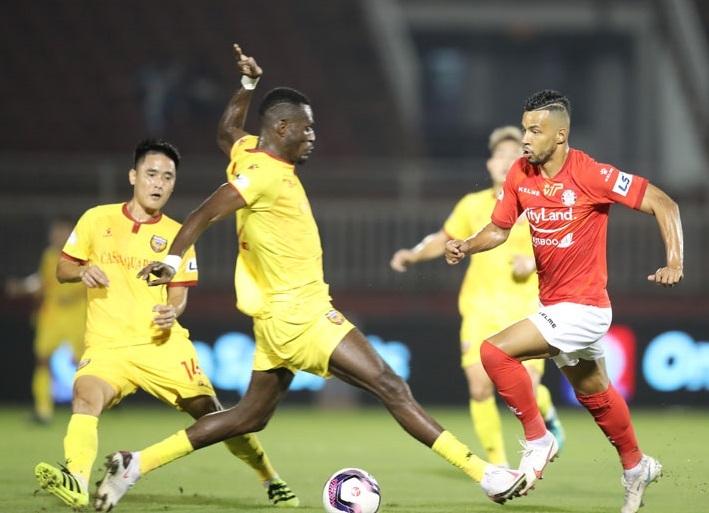 Ban trọng tài VFF lên tiếng về tấm thẻ của cầu thủ Hà Tĩnh