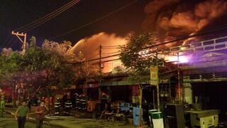 Vụ cháy nhà xưởng ở Hóc Môn: Huy động 150 người, 24 xe chữa cháy