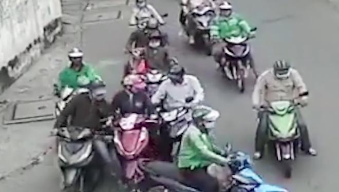 Khó khăn truy bắt nhóm dàn cảnh móc túi người phụ nữ ở TP.HCM