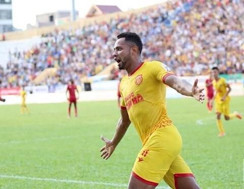 Tiền đạo Diogo Pereira  gia nhập Than Quảng Ninh
