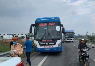 Khẩn cấp tìm 50 người đi xe khách về từ vùng dịch xuống dọc các tỉnh