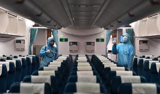 Tìm người đi cùng chuyến bay từ Hà Nội về TP.HCM có ca nghi nhiễm Covid-19