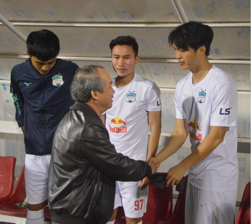 Hoãn trận HAGL và Bình Định trên sân Pleiku
