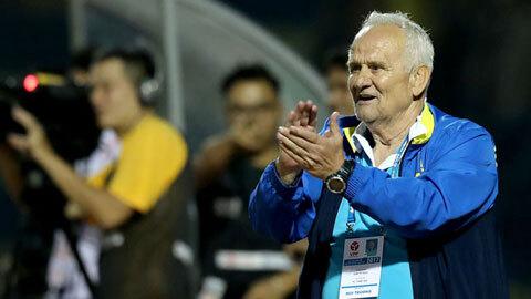 HLV Petrovic ca ngợi Trịnh Văn Lợi sau chiến thắng đậm đà 3-0 trước đội khách Nam Định