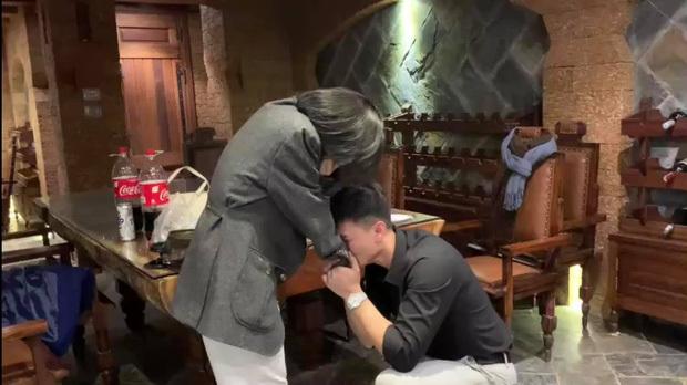 Diễn viên Huỳnh Anh bất ngờ cầu hôn bạn gái hơn 6 tuổi