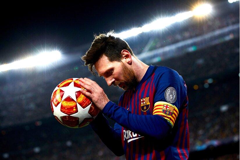 Messi xem xét đến việc khởi kiện chủ tịch tạm quyền Carles Tuquets