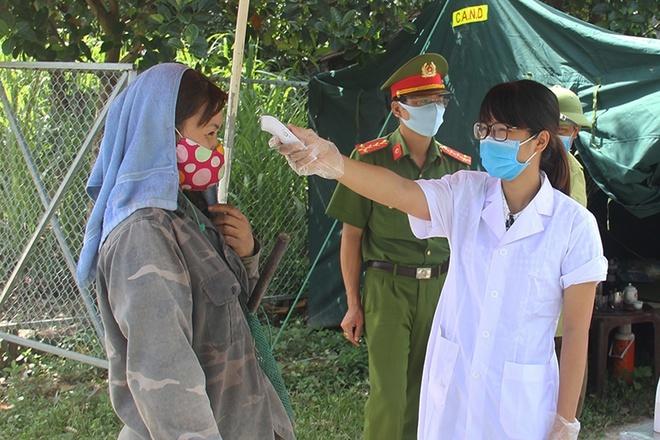 Bắc Giang cách ly thôn gần 600 người do có trường hợp dương tính Covid-19