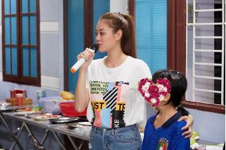 Hoa hậu Khánh Vân ghé thăm ngôi nhà bảo vệ trẻ em bị xâm hại tình dục những ngày cận Tết