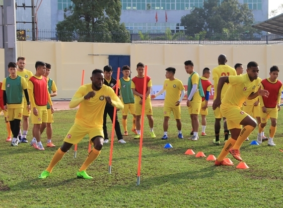 CLB Thanh Hóa tích cực tập luyện trong ngày V.League tạm hoãn