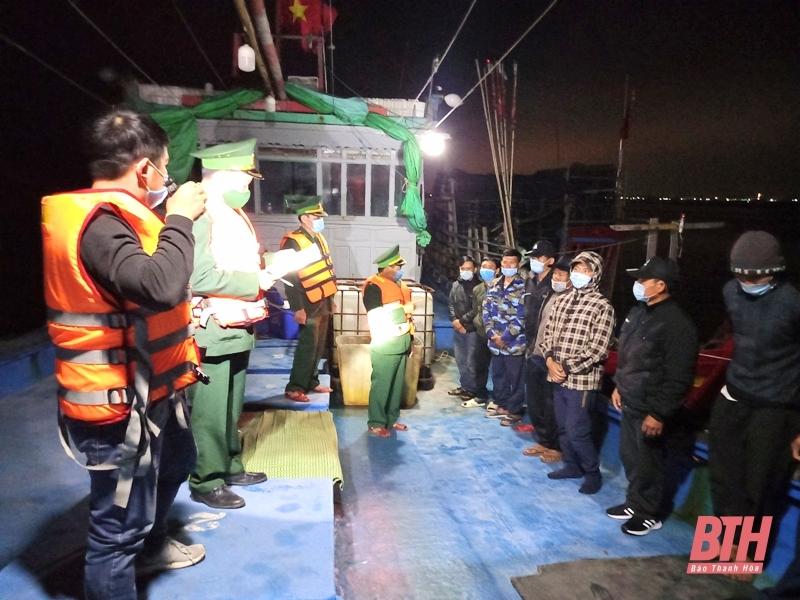 Cách ly 11 ngư dân Thanh Hóa do đánh cá ở vùng biển Vân Đồn