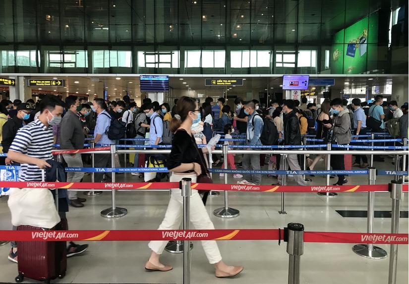 Giá vé bay Tết các hãng Vietnam Airlines, Vietjet, Bamboo Airways giảm không phanh, chỉ còn vài trăm nghìn đồng