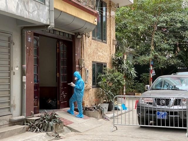 Hà Nội: Đi từng ngõ, từng nhà rà soát người từ vùng dịch