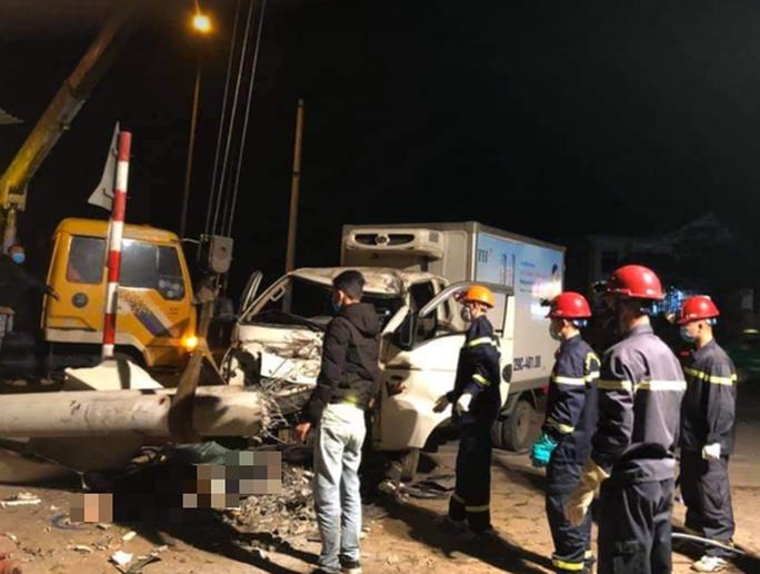 Ô tô tông xe máy, 3 người tử vong