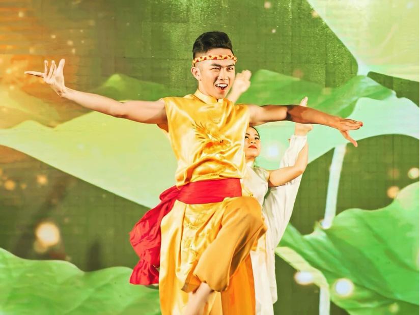 Diễn viên múa Mai Trung Hiếu qua đời ở tuổi 29 khiến Dương Triệu Vũ, Võ Hạ Trâm bàng hoàng, xót xa