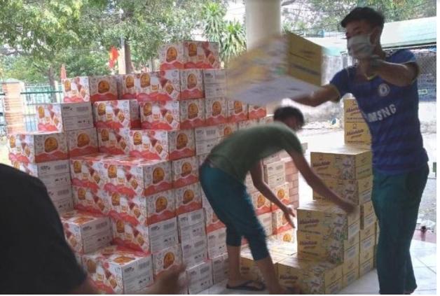 Tân Hiệp Phát trao tặng 36.000 sản phẩm đến các khu vực cách ly tỉnh Bình Dương