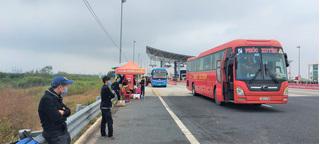 Quảng Ninh: Từ 6h ngày 8/2, tạm dừng hoạt động kinh doanh vận tải hành khách liên tỉnh