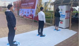 Hải Dương: Lắp đặt ATM khẩu trang miễn phí tại Bệnh viện dã chiến số 3 ở TP.Chí Linh