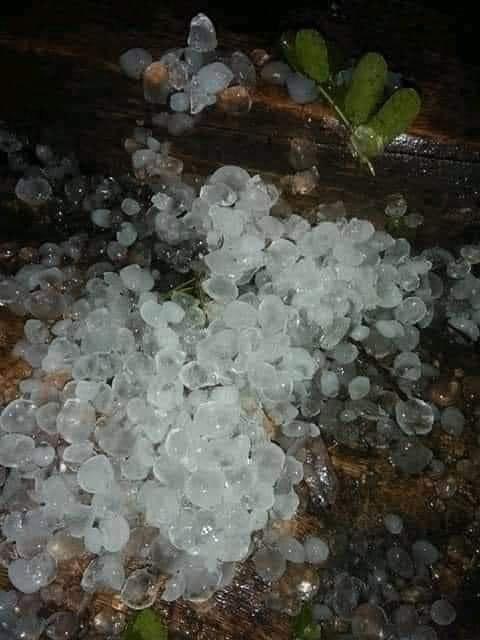 Không khí lạnh bao trùm, Bắc Bộ mưa to, đã xuất hiện mưa đá, cảnh báo sạt lở ở Thanh Hóa