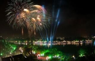 Giao thừa năm nay, dân Thủ đô vẫn được xem pháo hoa qua... truyền hình