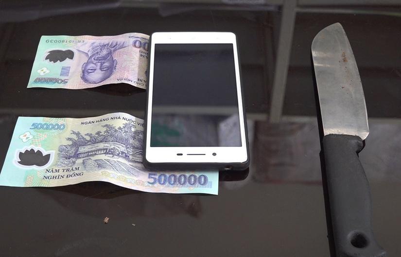 Thanh niên đi cướp lấy tiền lì xì Tết
