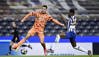 Juventus gục ngã trước Porto, HLV Pirlo bào chữa thế nào?