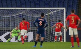 Arsenal hòa Benfica trên sân khách, vì sao HLV Arteta vẫn tiếc hùi hụi?