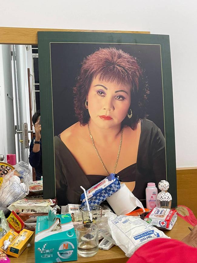 Nghệ sĩ Hoàng Lan bị hoại tử cột sống, mù một bên mắt khiến khán giả xót xa