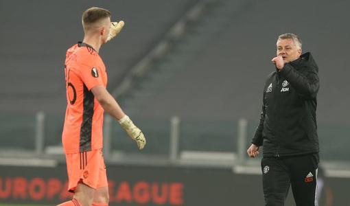 HLV Solskjaer ca ngợi Henderson, De Gea mất vị trí số 1?