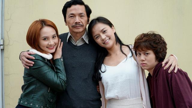 Phạm Anh Tuấn, Việt Hoa có 'giữ chân' được khán giả khi 'Trở về giữa yêu thương' không còn NSND Hoàng Dũng?