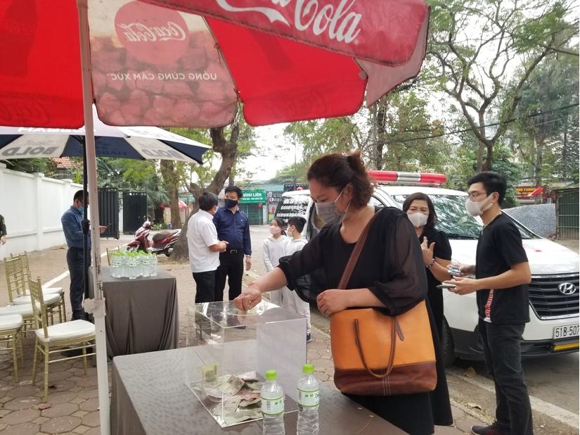 Xuất hiện tại Hà Nội, ông Đoàn Ngọc Hải kêu gọi quyên góp được hơn 110 triệu đồng trong buổi sáng
