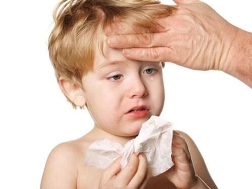 Cảnh báo những bệnh trẻ nhỏ dễ mắc trong thời tiết mưa phùn, nồm ẩm