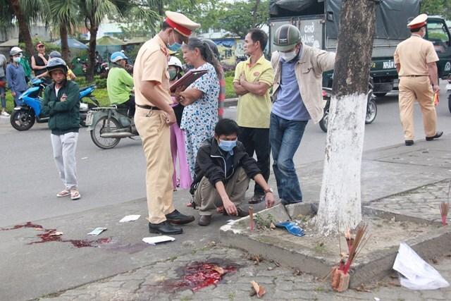 Quảng Nam: Tự tông vỉa hè, người chết người chấn thương sọ não