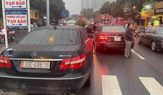 Vụ hai ô tô Mercedes Benz cùng biển số: Một chủ phương tiện chưa xuất trình được giấy tờ