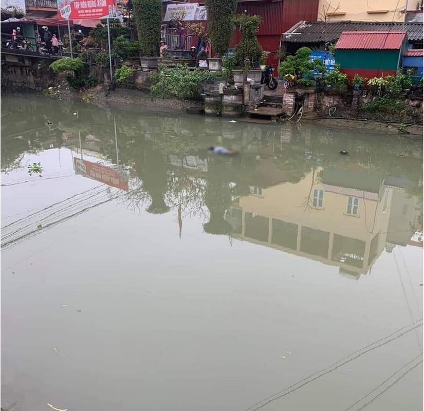 Nam Định phát hiện một thi thể trôi trên sông