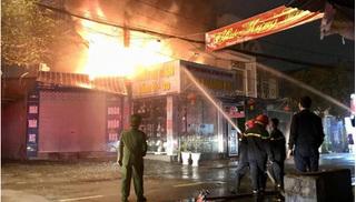 Hải Phòng: Cháy lớn trên phố Thiên Lôi