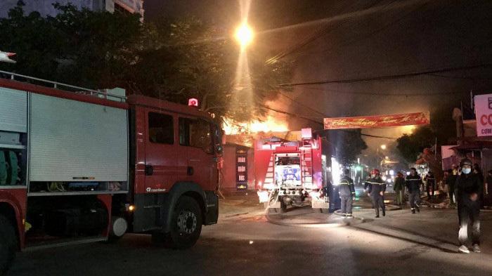 Cháy lớn trên phố Thiên Lôi, Hải Phòng