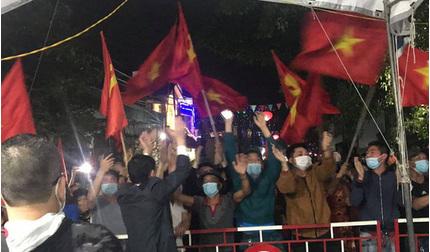Hải Phòng: Người dân xã Hoàng Động và phường Dư Hàng vỡ òa cảm xúc khi được gỡ phong tỏa