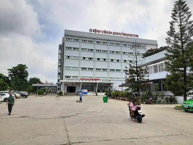 Điều tra nguyên nhân 3 người tử vong sau khi ăn tiệc ở Kon Tum