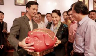 """Nghệ nhân marketing - Nguyễn Trung Thành, người sáng lập học viện """"ngôi sao livestream"""" độc đáo nhất Việt Nam."""