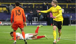 Haaland lập siêu kỷ lục khi giúp Dortmund vào tứ kết Champions League