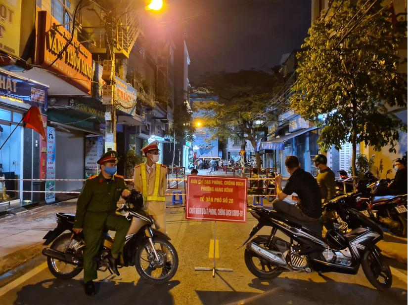 Truy tìm những người tiếp xúc gần 2 ca bệnh nhiễm virus SARS-COV-2 ở đường Nguyễn Công Trứ, Hải Phòng